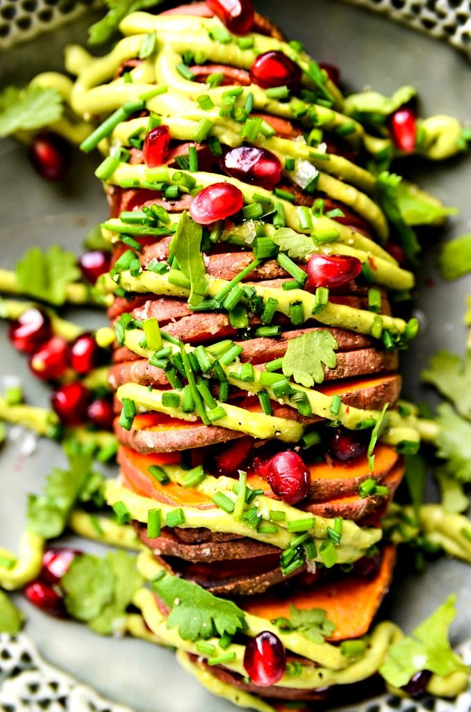 7-Ingredient Hasselback Sweet Potatoes with Avocado Aioli | #glutenfree #dairyfree #vegan