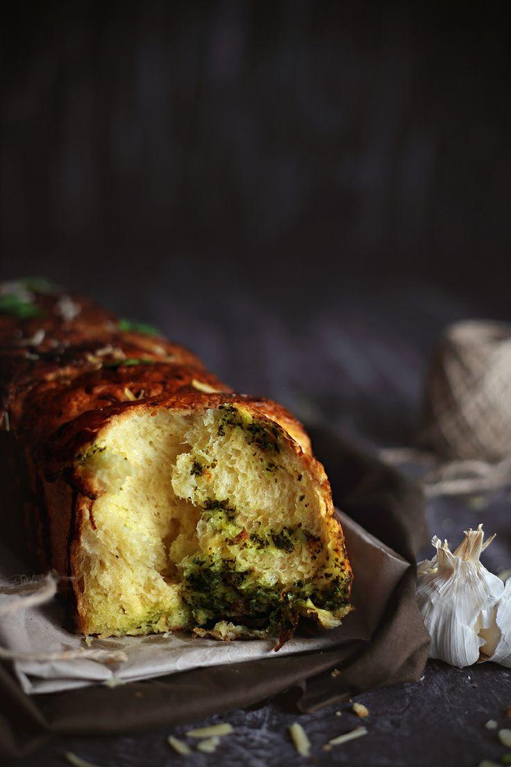 Savoury Brioche With Garlic, Spinach and Smoked Gouda