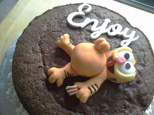 Ik heb een taart gemaakt voor de grootste fan van Garfield . Gefeliciteerd papa!! #  miss baksel