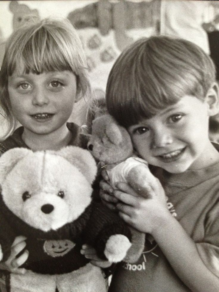 """One Direction's Harry Styles (@Harry_Styles) shared this picture of himself when he was little along with the capture: """"@AliceFagan193 Hey bud! Look how small we were.."""""""