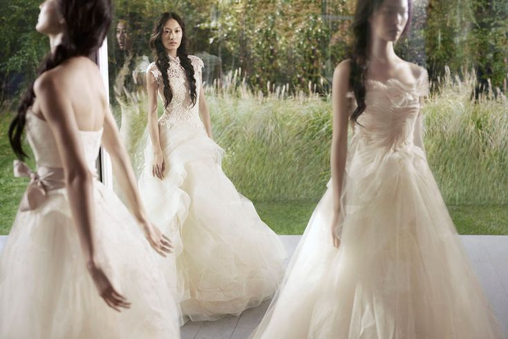Vera Wang Spring 2012. Middle dress!
