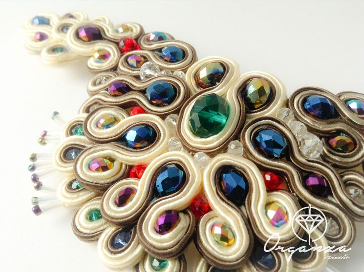 Bracelet finished! #soutache #handmadejewelry #handmade #jewelry #HauteCouture #fashion #bracelet #necklace #pulseras #organza #damarisromera http://es.dawanda.com/shop/Damaris-Romera