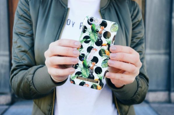 Tropical Dots by lovely @majasoderbergs - Fashion case phone cases iphone inspiration iDeal of Sweden #Tropcial #birds #leaf #fashion #inspo #iphone