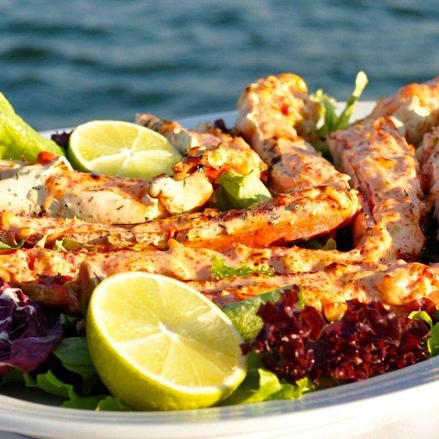 """Odessa,Ukraine ⛵️Хорошая еда в отличном месте на берегу моря залог идеального дня . Ресторан """"Колумбус """" в Одессе на берегу Черного моря тому подтверждение . """"Columbus"""" - это морской воздух , уют и тишина , это панорамный вид на моря , и конечно это изысканная Европейская кухня и качественные вина от мировых производителей"""