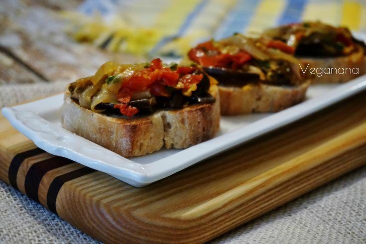 Bruschettas de Berinjela e Pimentão - Veganana Mais
