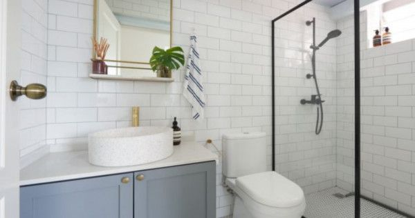 12 Modern Hdb Toilet Design Ideas You Can Copy To Make Your Bathroom Look Bigger Lifestyle News Asiaone Toilet Design Bathroom Design Small Toilet Design