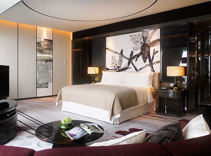 Guest room at Four Seasons Hotel, Guangzhou, designed by HBA/Hirsch Bedner Associates