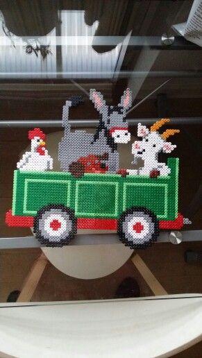 #green #tractor #hama #perler #pearlbeads #creative #hobby #creation #beads #farmanimals #animal #babyroom #cat #dog #horse