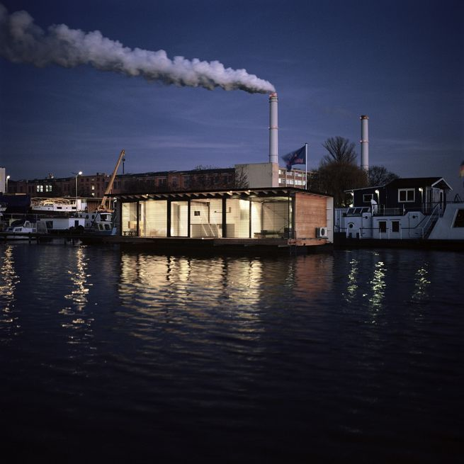 The three-room boat hotel is located onLake Rummelsburg, a small bay on the Spree River located onthe east side of Berlin.