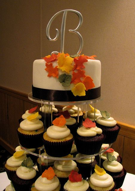 fall wedding cupcakes | Fall Wedding Cupcake Tower | Flickr - Photo Sharing!