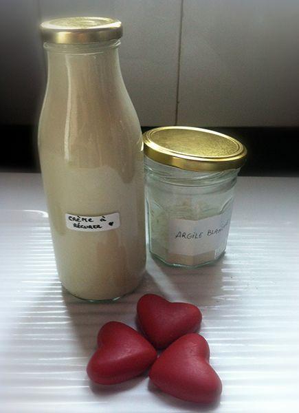 crème à récurer argile entretien naturel maison écologique blanc de meudon terre de sommières : Ingrédients de la crème à récurer, sorte de « Cif » maison. 1 dose de bicarbonate de soude + 2 doses d'argile blanche ou 1 dose d'argile et une de blanc de Meudon + 1 dose de liquide vaisselle (recette maison) + 4 doses d'eau. Pour une petite bouteille de 150ml, j'ai utilisé une cuillère de 15mL en mesure « dose », c'est à dire une bonne cuillère à soupe. = une dose d'essai…