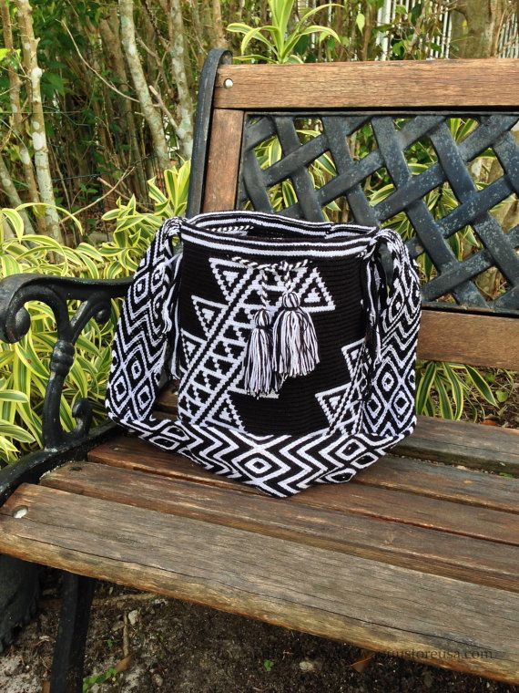 Authentic Wayuu Bags handmade by the Wayuu by loveandlucky on Etsy, $120.00