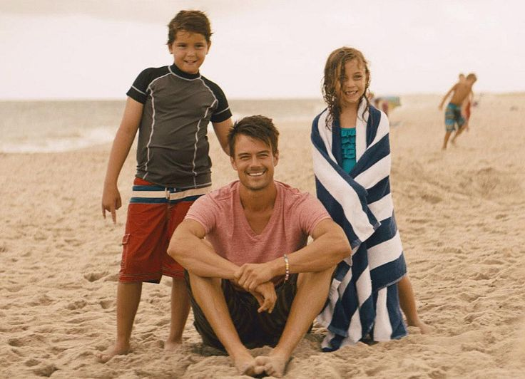 This pic is pretty perfect :) Josh Duhamel is my Eli from SIZE MATTERS. He's got 2 kids, boy and a girl (though they are older than these kids). In the book they have a beach day with Bryn and her kids! :) #family #romance #books