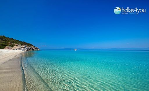 The beautiful Halkidiki is the best sight in Central Macedonia. It is a large peninsula that extends south of Thessaloniki, bordering the Aegean Sea. Feature is the shape of the well results into three smaller peninsulas, Kassandra, Sithonia and Atho ( the 3 legs of Halkidiki).