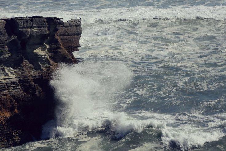Красота Новой Зеландии, от которой захватывает дух http://kleinburd.ru/news/krasota-novoj-zelandii-ot-kotoroj-zaxvatyvaet-dux/  Швейцарский фотограф Renaud Kritzinger совершил дорожное путешествие в автофургоне по Новой Зеландии. За месяц скитаний по островам он сделал множество фотографий горных и морских пейзажей, вулканов и местной фауны. 1. 2. 3. 4. 5. 6. 7. 8. 9. 10. 11. 12. 13. 14. 15. 16. 17. 18. 19. 20. 21. Запись Красота Новой Зеландии, от […]