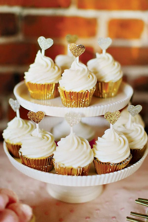 Cupcakes elegantes, ideales para una boda / Elegant cupcakes, ideal for weddings! (Best Wedding and Engagement Rings at www.brilliance.com)