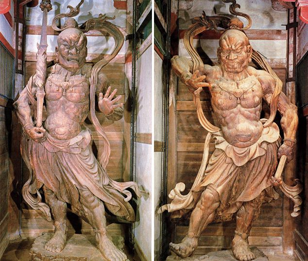 """Agyo,"" the open-mouthed guardian statue, left, and ""Ungyo,"" the close-mouthed guardian statue at Todaiji temple in Nara (Asahi Shimbun file photo)"