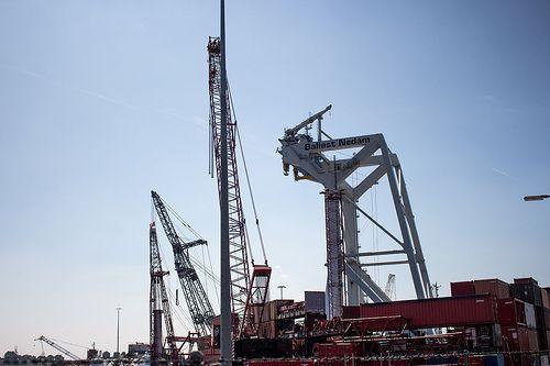 Industrial sight Wiltonhaven Rotterdam #Wiltonhaven #Rotterdam #Harbor #Dock #010 #Holland #Sky #Blue #Sunny #Architecture #Urban #City #World #Port #Netherlands #Roffa #Canon #700D #Photography