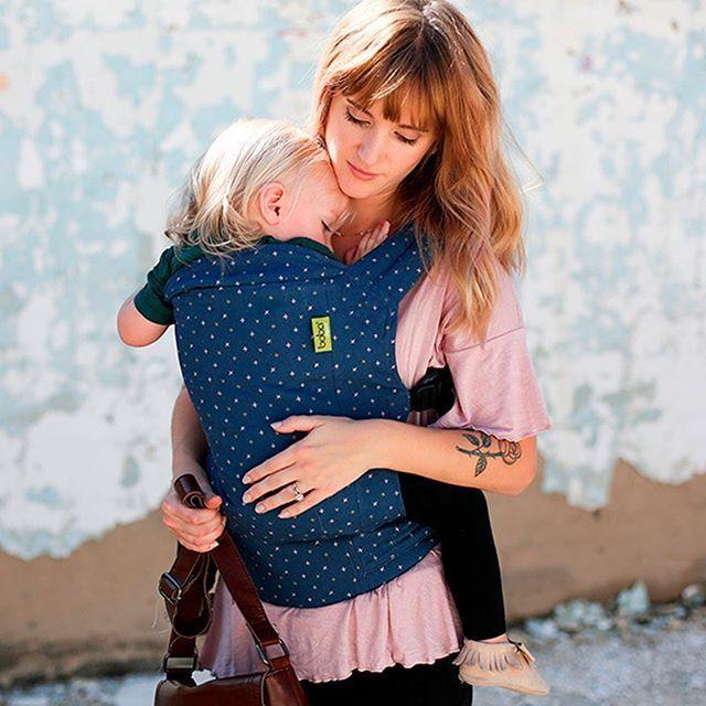 Buenos días!!! Preciosa la edición limitada boba 4g optimiste no? Anoche subimos más modelos de mochilas a la shop corre a verlas  #crianzaenbrazos #porteoergonomico #porteo #bebe #mama #papa #crianzaconapego
