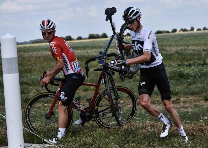 El Tour Comienza Con Drama Para Dos Favoritos Que Pierden Tiempo Caída De Froome Y Avería De Quintana Tour De Francia Nairo Chris Froome