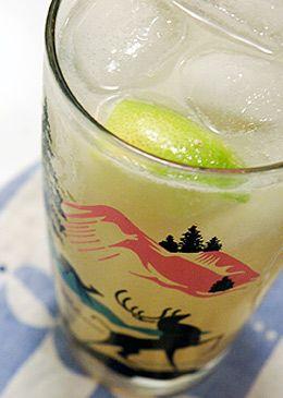 Paloma Cocktail: good tequila + grapefruit juice + lime + club soda = so good.: Cheer