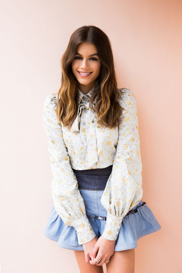 Risultati immagini per kaia gerber blouse
