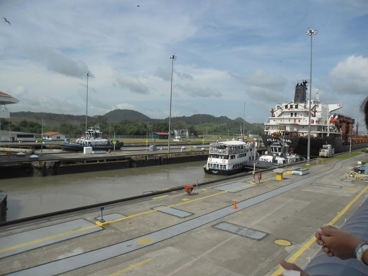 Canal de Panamá. #Canal #commerce #boat #ship #Locks #Miraflores #Esclusas   #engineering
