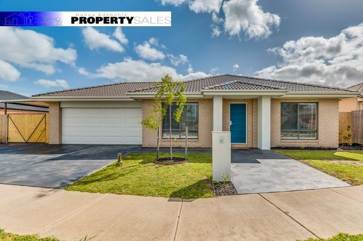 House for sale 2 Copperhead Court, Newborough, VIC