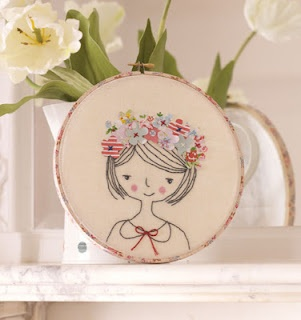 Broderie et tambour à broder : simple et tendre ! Flower Girl Hoop : easy and cute !