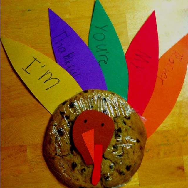 Thanksgiving Craft from the heart: Turkey Cookie! The cutest gift for a teacher or neighbor!