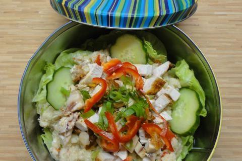 Jak připravit salát s kuskusem a grilovaným kuřetem   recept