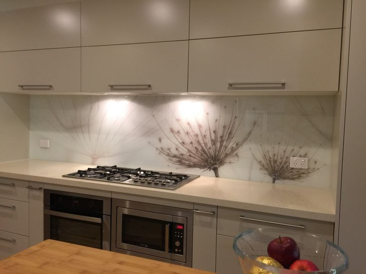 Plain, Metallic, Mirror & Printed glass splashbacks