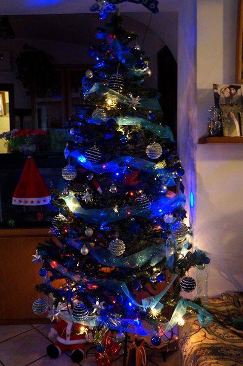 Albero appena finito, l'albero l'ho preso su www.sisme-italia.com e le luci a LED anche. Sono davvero contenta del risultato.
