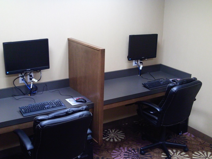 Located through Guest Services at Best Western Plus, we offer a full range of business services including access to two computers and a lazer printer, shipping, photocopying, and fax transmission services.