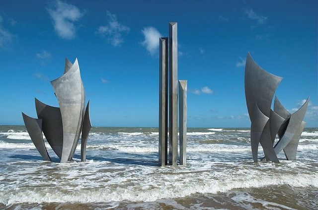 Statue Les Braves | Omaha Beach, Saint-Laurent-sur-Mer | Normandy, France | D-Day memorial