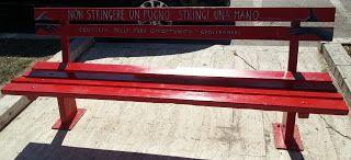 massignanonews: Una panchina rossa contro il femminicidio