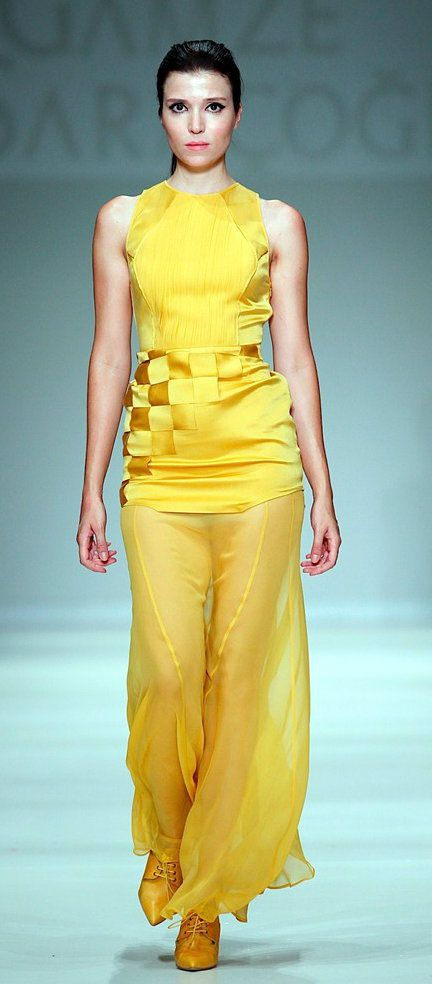 Turkish Model & Actress, Selma Ergeç   Vogue Fashion show.