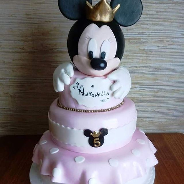 #Princess #Minnie #fondant #cake by Volován Productos #instacake #puq #Chile #VolovanProductos #Cakes #Cakestagram #SweetCake
