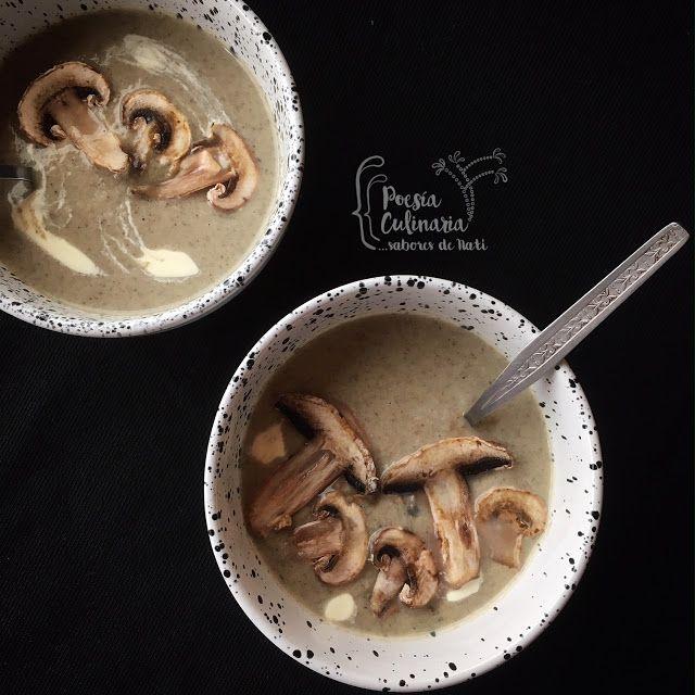 Paladares {Sabores de nati }: Crema de champiñones para una tarde lluviosa en medio del sol... Creamy Mushroom Soup, #champiñones #crema #sopa cremas, #cremadechampiñones #setas
