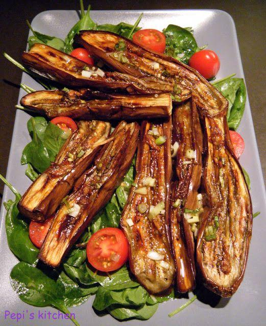 Μελιτζάνες στο γκρίλ με ασιατική γεύση http://www.pepiskitchen.blogspot.gr/2011/07/blog-post_29.html