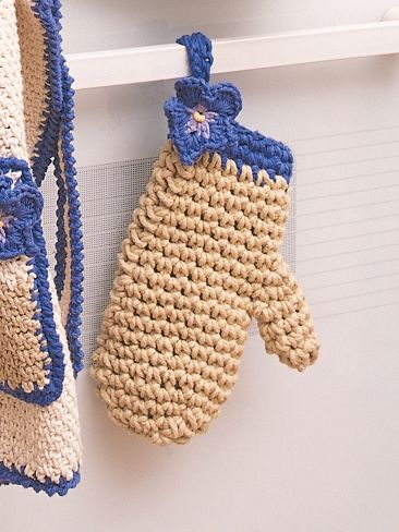 Knitting Pattern Oven Gloves : 21 best images about oven mitts on Pinterest Free pattern, Potholders and C...