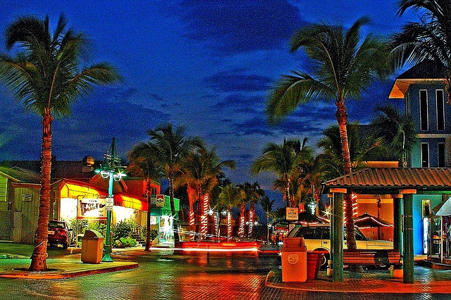 Time Square Fort Myers Beach - very colorful place to be - miss it :(