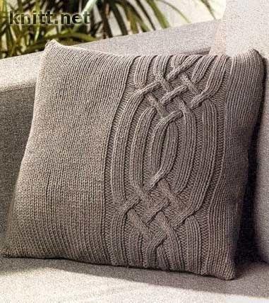 Подушка с косами, связана спицами