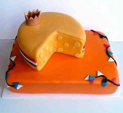 Het EK2012 komt eraan! Om 8 uur koffietijd en taart, oranjetaart wel te verstaan. Hier het recept...  The European Championship Soccer starts on June 8. Time to make orange colored cake to support the Dutch soccer team.