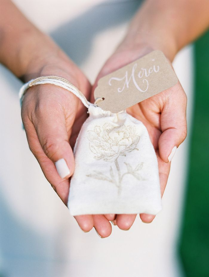 pretty seeds wedding favors ideas