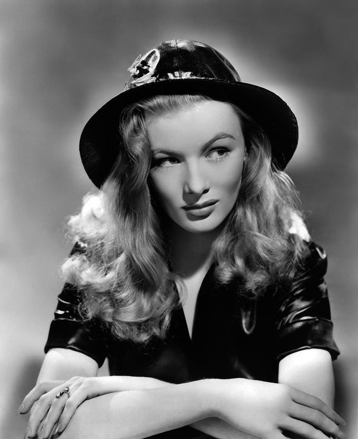Veronica LakeVintage Hollywood, Veronica Lakes, Silver Screens, Femme Fatale, Vintage Beautiful, Classic Hollywood, Beautiful People, Film Noir, Women