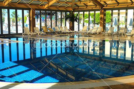 Крытый бассейн в спа-отеле — Стоковое фото © Georgina198 #27293185