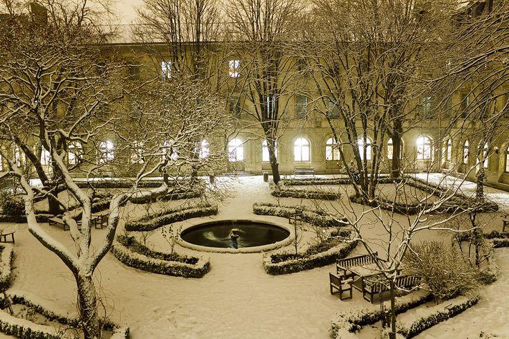 Cour aux Ernests sous la neige - École normale supérieure (Paris) — Wikipédia