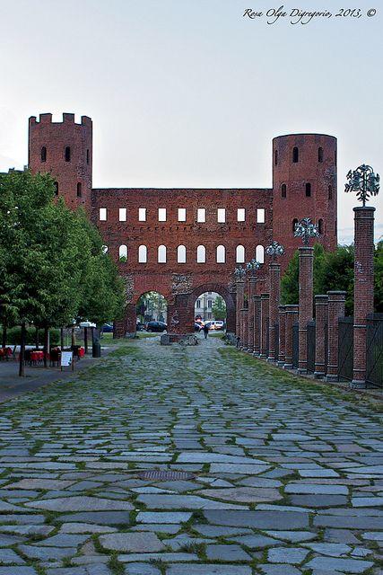 Porta Principalis Dextera ovvero la Porta Palatina che consentiva l'accesso da settentrione a Julia Augusta Taurinorum - Torino - Piemonte -Italy
