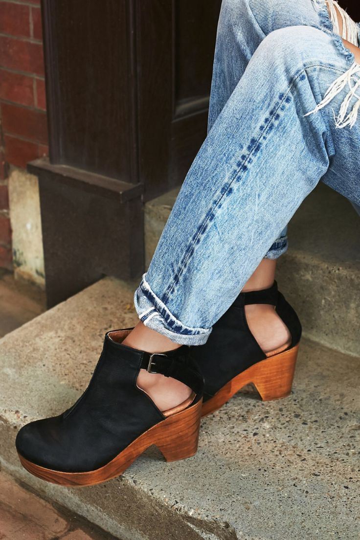 Amber Orchard Clog in Black   ROOLEE